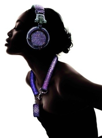 swarovski-fashion-rocks-dj-headphones-4.jpg